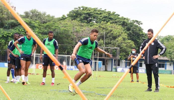 Emelec-entrenamiento-LigaPro-debut