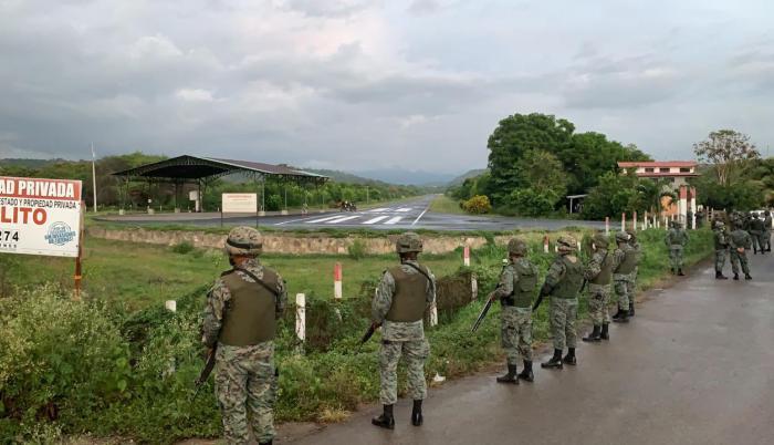 La alerta se dio luego que se verificara que la avioneta con placas ecuatorianas se movilizaba como tráfico aéreo no identificado.