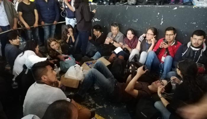 En octubre de 2019, un grupo de periodistas fue retenido en contra de su voluntad.