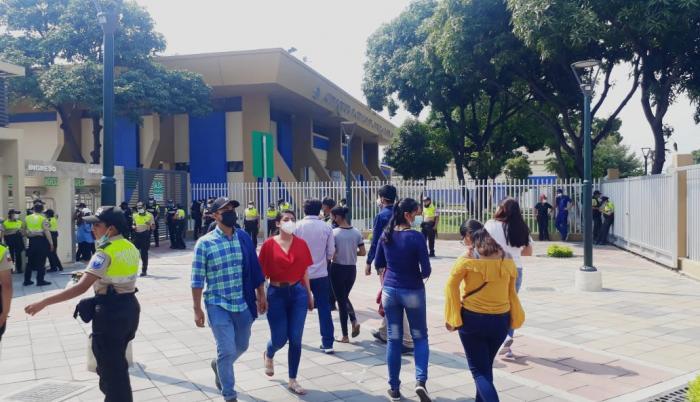 La regeneración del exterior de la Universidad de Guayaquil hoy prioriza al peatón.