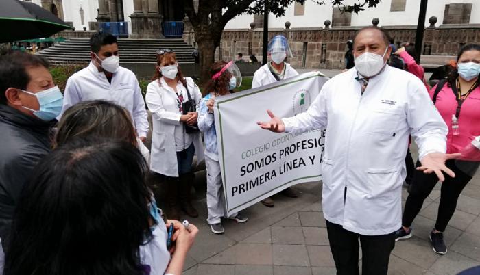 Odontólogos- protesta- vacuna