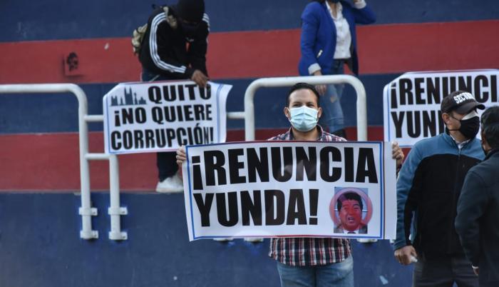 Ciudadanos piden la salida de Jorge Yunda.