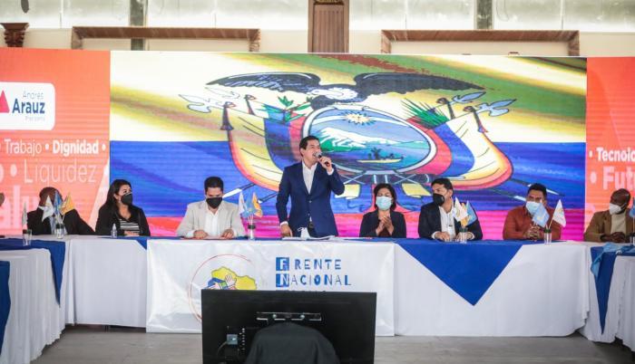 Andrés Arauz en campaña