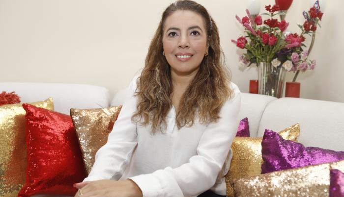 Martha Rizzo, Doctora en Sociología y en Ciencias del Arte, con especialidad Desarrollo Artístico y Gestión cultural.