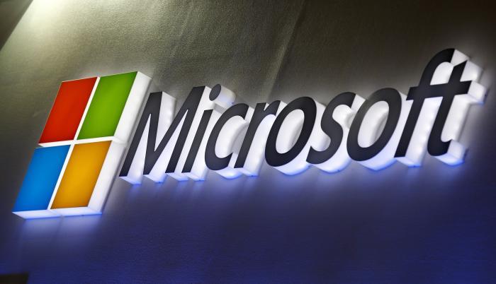 Tras conocerse la noticia, las acciones de Microsoft descendían un ligero 0,20 % al inicio de la sesión en Wall Street, mientras las de Nuance se disparaban un 18 %.