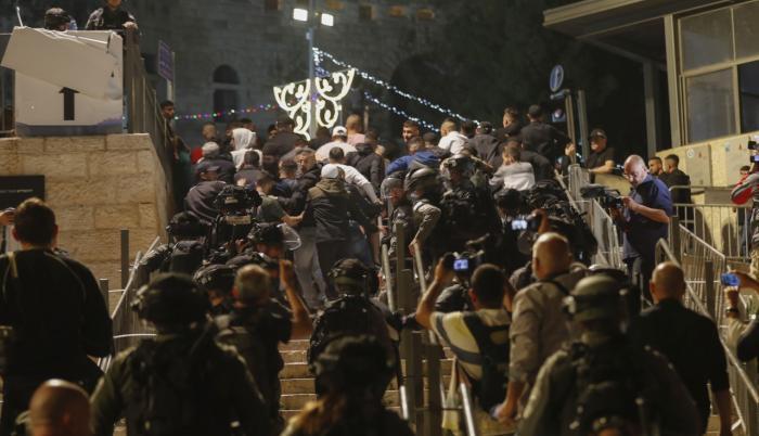 Siguen los enfrentamientos entre israelíes y palestinos.