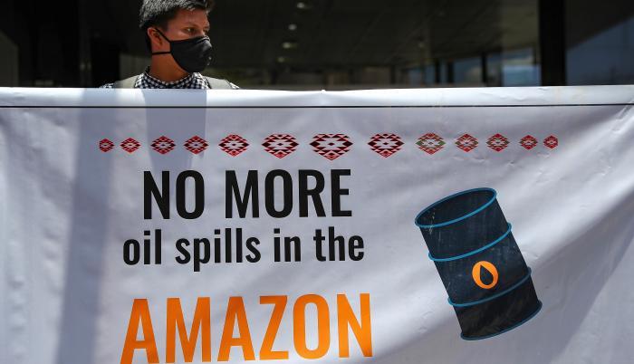 El 7 de abril de 2020 se produjo la rotura de tres conductos de dos oleoductos que van desde la Amazonía hasta la costa ecuatoriana, como consecuencia de un corrimiento de tierra en una región altamente sísmica entre las provincias de Orellana y Sucumbíos