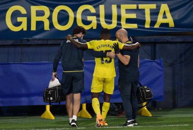 Pervis Estupiñán salió lesionado del partido del Villarreal